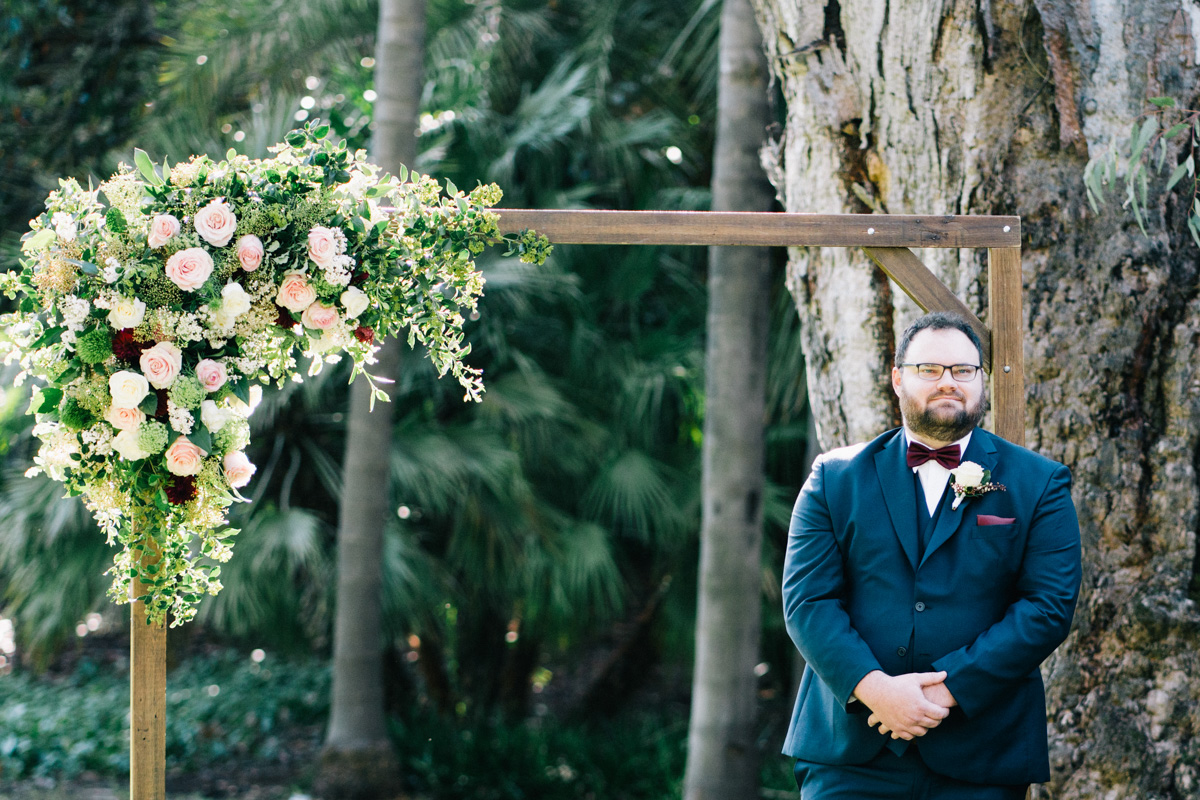 groom waiting for bride at adelaide botanic gardens